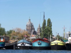 amsterdam-colorful-boats